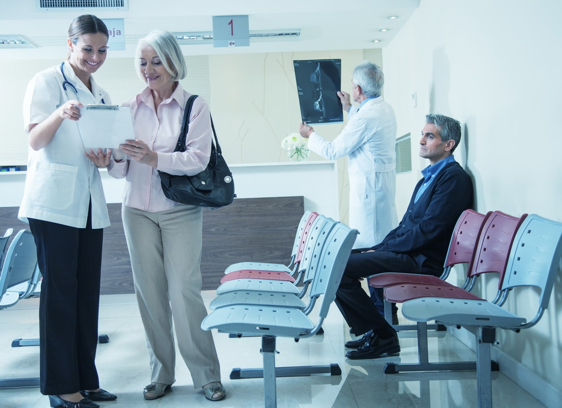 doctors-and-patients-speaking-in-the-hospital-waiting-room